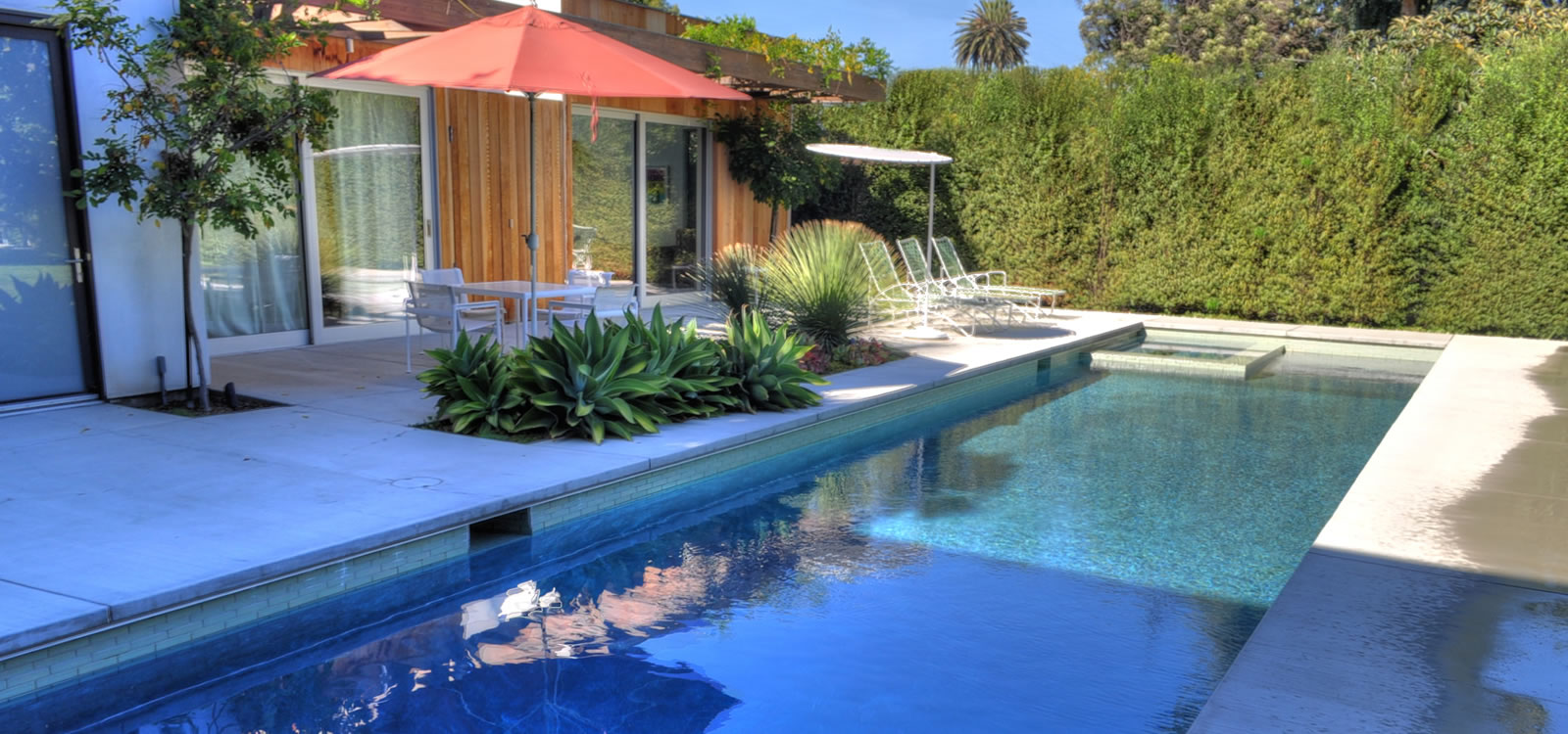 In-house staff of landscapers, pool designers and hardscape experts