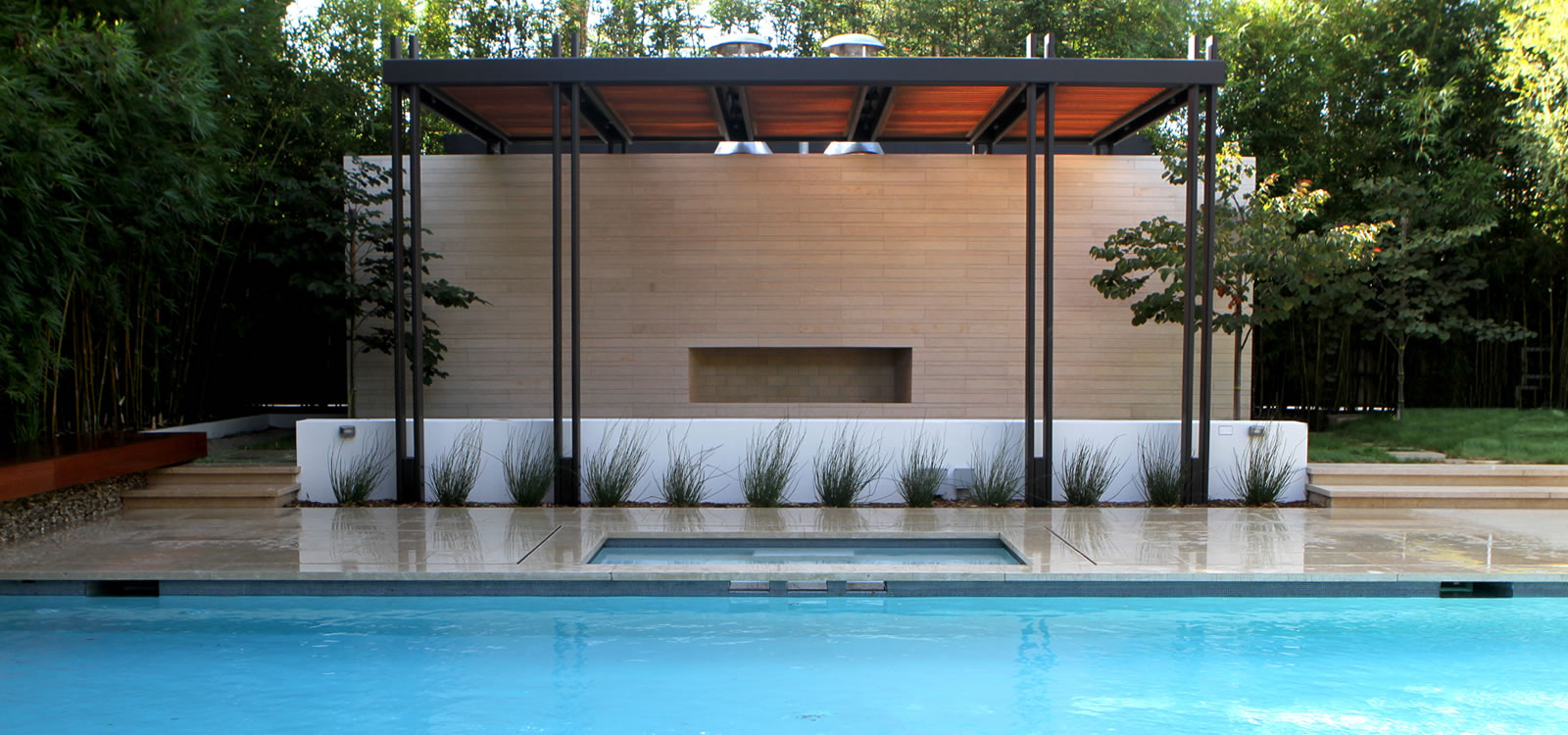 Beverly hills pool spa design with custom water feature for Pool design los angeles