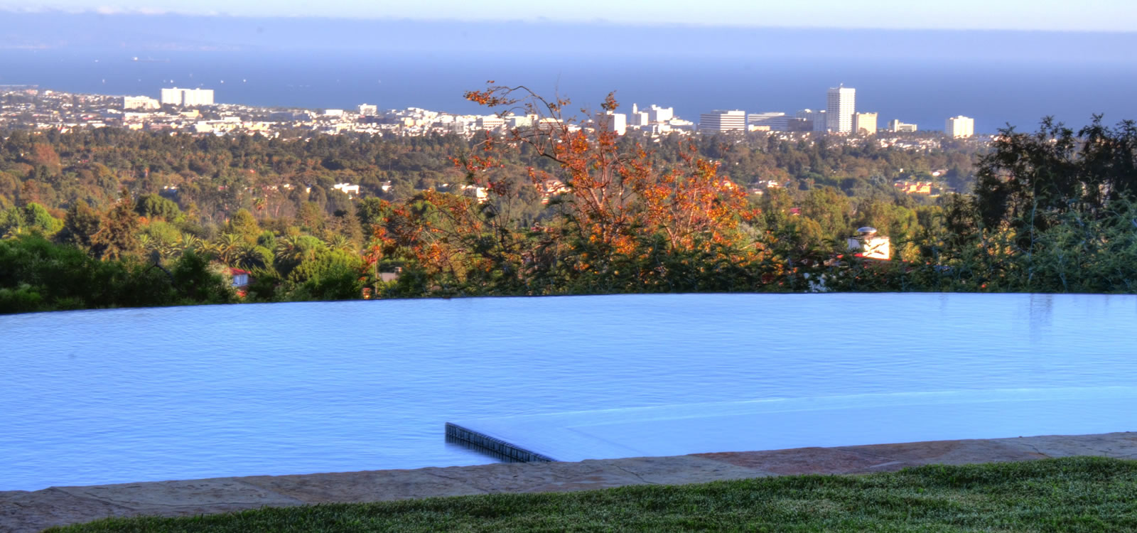 Pacific Palisades Vanishing Edge Pool Design