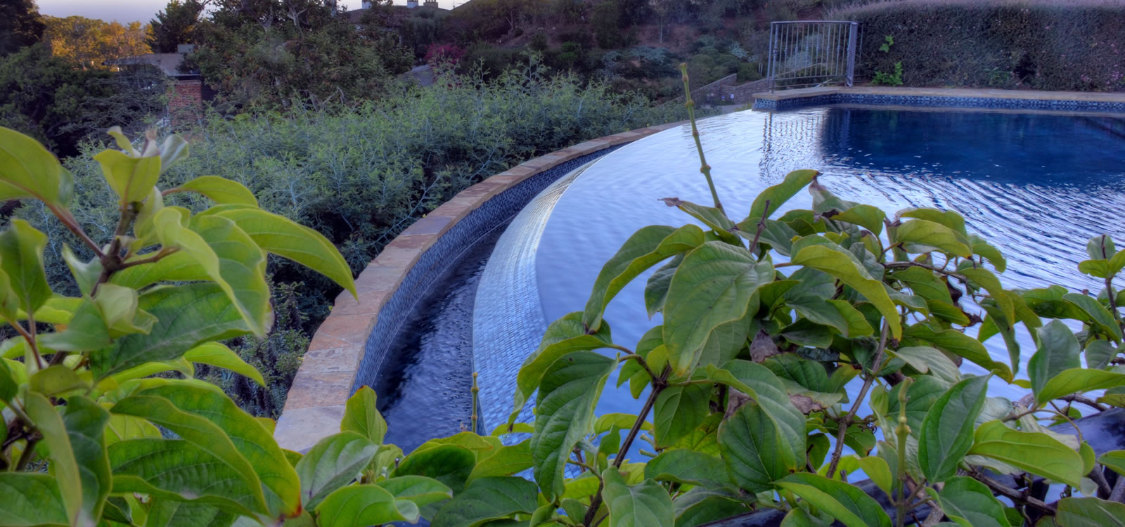 John Crystal Pools (818) 885-0004