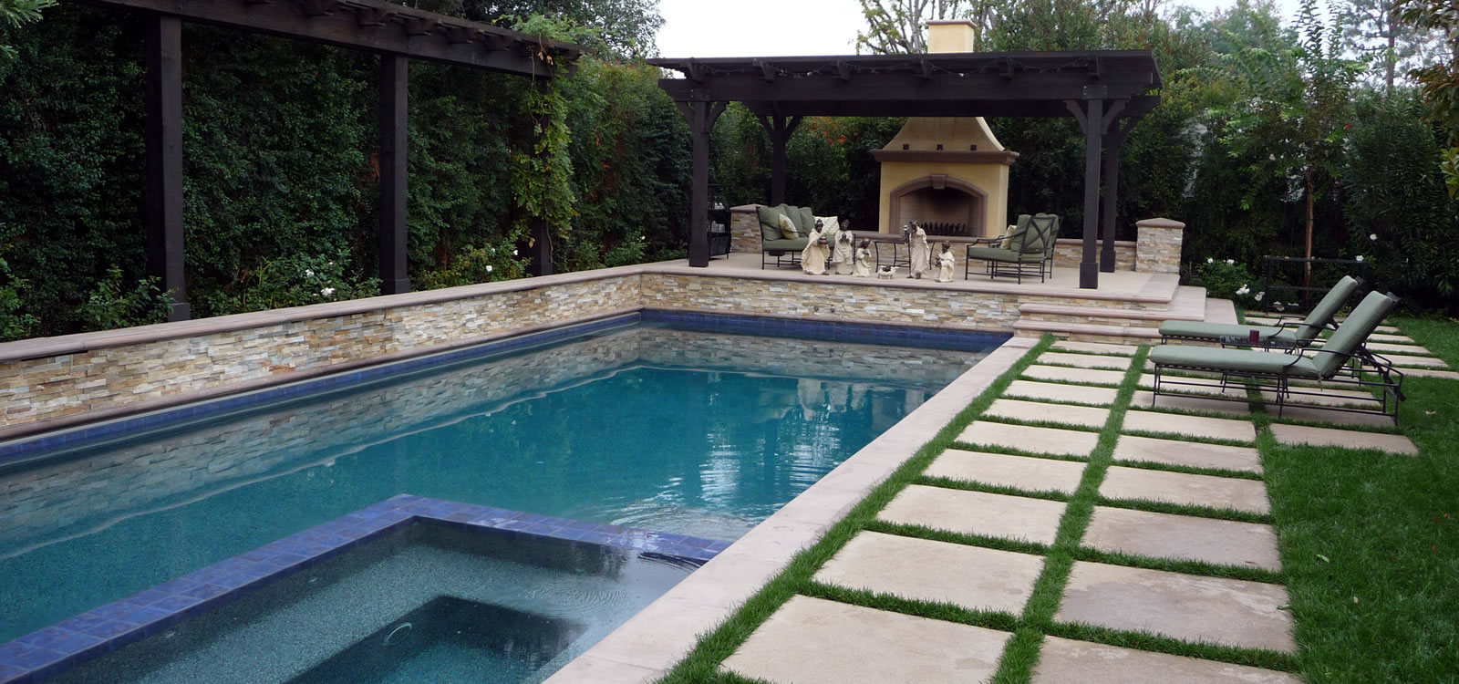 Woodland Hills Outdoor Living Spaces with BBQ Islands and Custom Hardscape